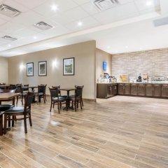 Отель Comfort Inn & Suites питание