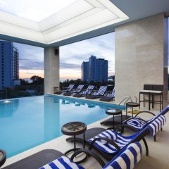 Отель Dendro Gold Нячанг бассейн