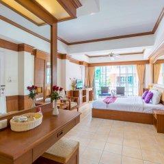 Отель Phuket Chaba Hotel Таиланд, Пхукет - 1 отзыв об отеле, цены и фото номеров - забронировать отель Phuket Chaba Hotel онлайн комната для гостей фото 4