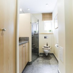 Апартаменты Spacious apartment in the Old Town ванная