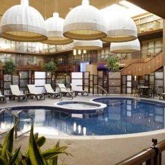 Отель Delta Hotels by Marriott Calgary South Канада, Калгари - отзывы, цены и фото номеров - забронировать отель Delta Hotels by Marriott Calgary South онлайн бассейн фото 3