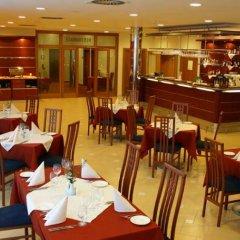 Отель Ramada Airport Hotel Prague Чехия, Прага - 2 отзыва об отеле, цены и фото номеров - забронировать отель Ramada Airport Hotel Prague онлайн питание фото 3