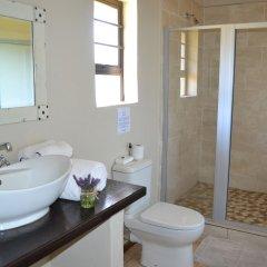 Отель Chrislin African Lodge ванная фото 2