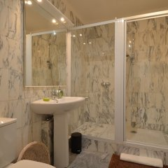 Отель MyNice Valrose Ницца ванная фото 2