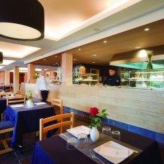 Отель Blau Punta Reina Resort гостиничный бар