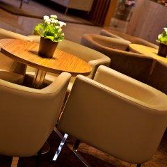 Отель Ramada by Wyndham Lisbon гостиничный бар