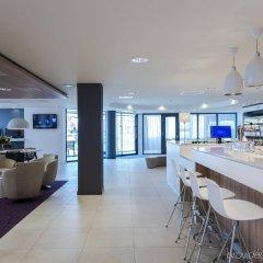 Отель Holiday Inn Express Arnhem гостиничный бар