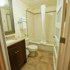 Отель ByWard Blue Inn Канада, Оттава - отзывы, цены и фото номеров - забронировать отель ByWard Blue Inn онлайн ванная