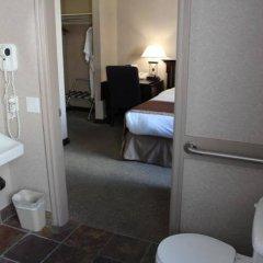 Отель Ramada Limited Vancouver Downtown Канада, Ванкувер - отзывы, цены и фото номеров - забронировать отель Ramada Limited Vancouver Downtown онлайн ванная