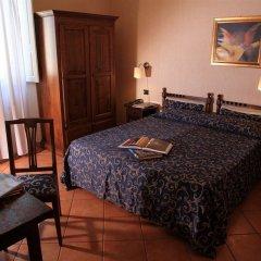 Отель Kursaal & Ausonia Италия, Флоренция - 5 отзывов об отеле, цены и фото номеров - забронировать отель Kursaal & Ausonia онлайн комната для гостей фото 2