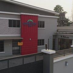 Отель Urban Metro Inn балкон