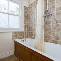 Отель Veeve - Big Oakfield House Великобритания, Лондон - отзывы, цены и фото номеров - забронировать отель Veeve - Big Oakfield House онлайн ванная
