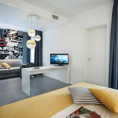 Hotel Love Boat комната для гостей