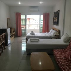 Jomtien Hostel Паттайя комната для гостей фото 4