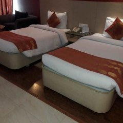 Hotel Amer Greens in Bhopal, India from 296$, photos, reviews - zenhotels.com guestroom