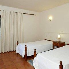Отель Casal Das Alfarrobeiras Португалия, Виламура - отзывы, цены и фото номеров - забронировать отель Casal Das Alfarrobeiras онлайн комната для гостей