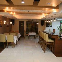 Отель Alejandra Hotel Филиппины, Макати - отзывы, цены и фото номеров - забронировать отель Alejandra Hotel онлайн питание