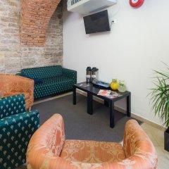 Отель Le Petit Hotel Prague Чехия, Прага - 9 отзывов об отеле, цены и фото номеров - забронировать отель Le Petit Hotel Prague онлайн комната для гостей фото 2