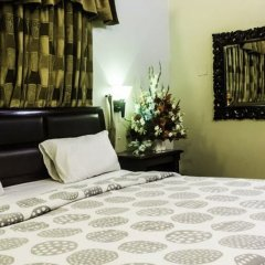 Regine Inn Hotel in Karachi, Pakistan from 43$, photos, reviews - zenhotels.com in-room safe