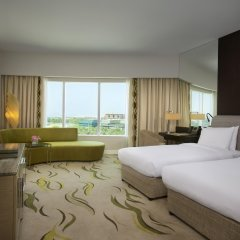 Отель Hilton Capital Grand Abu Dhabi комната для гостей фото 2