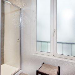 Отель Des Pavillons Париж ванная