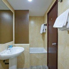 Отель Recoletos ванная фото 2