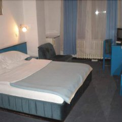 Hotel Kasina сейф в номере