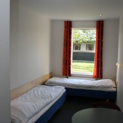 Отель Danhostel Copenhagen Bellahøj Дания, Копенгаген - 1 отзыв об отеле, цены и фото номеров - забронировать отель Danhostel Copenhagen Bellahøj онлайн комната для гостей фото 3