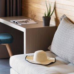 Отель Blue Dolphin Hotel Греция, Метаморфоси - отзывы, цены и фото номеров - забронировать отель Blue Dolphin Hotel онлайн интерьер отеля