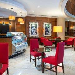 Отель Sheraton Jumeirah Beach Resort ОАЭ, Дубай - 3 отзыва об отеле, цены и фото номеров - забронировать отель Sheraton Jumeirah Beach Resort онлайн питание фото 2