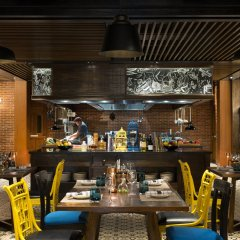 Hotel Indigo Bali Seminyak Beach гостиничный бар