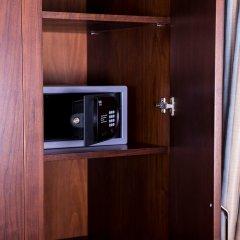 Grand Aras Hotel & Suites Турция, Стамбул - отзывы, цены и фото номеров - забронировать отель Grand Aras Hotel & Suites онлайн сейф в номере
