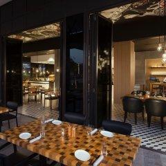 La Ville Hotel & Suites CITY WALK, Dubai, Autograph Collection питание фото 3