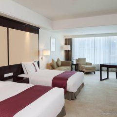 Отель Holiday Inn Guangzhou Shifu комната для гостей фото 4