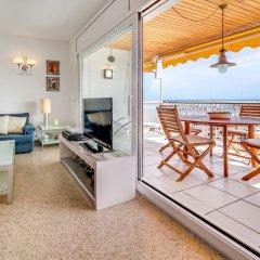 Отель Apartamento Vivalidays Es Blau Испания, Бланес - отзывы, цены и фото номеров - забронировать отель Apartamento Vivalidays Es Blau онлайн комната для гостей фото 3