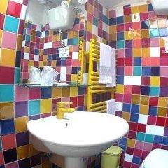 Отель A La Casa Dei Potenti Италия, Сан-Джиминьяно - отзывы, цены и фото номеров - забронировать отель A La Casa Dei Potenti онлайн ванная