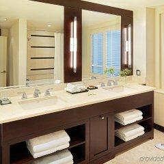 Отель The St. Regis Hotel Канада, Ванкувер - отзывы, цены и фото номеров - забронировать отель The St. Regis Hotel онлайн ванная