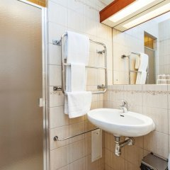 Отель Elite Hotel Residens Швеция, Мальме - 1 отзыв об отеле, цены и фото номеров - забронировать отель Elite Hotel Residens онлайн ванная фото 2