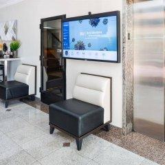 Отель Best Western Hollywood Plaza Inn США, Лос-Анджелес - отзывы, цены и фото номеров - забронировать отель Best Western Hollywood Plaza Inn онлайн интерьер отеля фото 3
