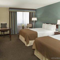 Отель Holiday Inn Toronto - Yorkdale Канада, Торонто - отзывы, цены и фото номеров - забронировать отель Holiday Inn Toronto - Yorkdale онлайн комната для гостей фото 3