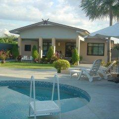 Отель QG Resort бассейн