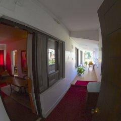 Отель Kathmandu Guest House by KGH Group Непал, Катманду - 1 отзыв об отеле, цены и фото номеров - забронировать отель Kathmandu Guest House by KGH Group онлайн балкон