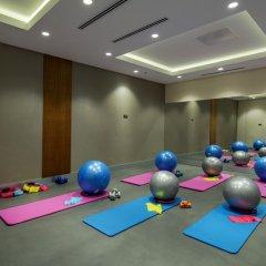 Отель DoubleTree by Hilton Istanbul Topkapi фитнесс-зал фото 2