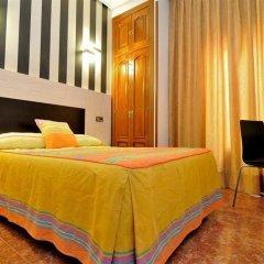 Отель Hostal Castilla I Испания, Мадрид - отзывы, цены и фото номеров - забронировать отель Hostal Castilla I онлайн комната для гостей фото 2