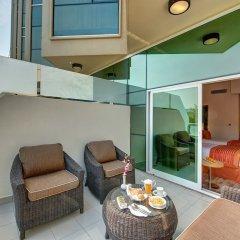 Al Khoory Executive Hotel балкон
