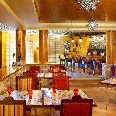 Sheraton Abu Dhabi Hotel & Resort гостиничный бар