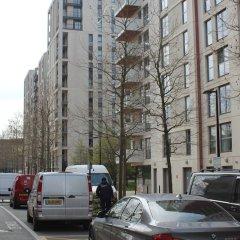 Апартаменты Stratford Luxury Apartment парковка