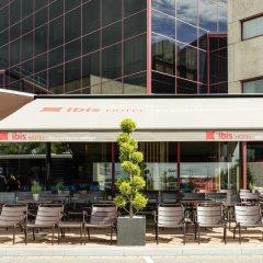 Отель ibis Schiphol Amsterdam Airport Нидерланды, Бадхевердорп - 7 отзывов об отеле, цены и фото номеров - забронировать отель ibis Schiphol Amsterdam Airport онлайн бассейн фото 2