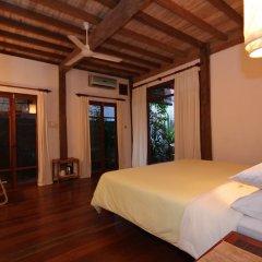 Sala Prabang Hotel сейф в номере