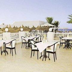 Отель Club Calimera Yati Beach Тунис, Мидун - отзывы, цены и фото номеров - забронировать отель Club Calimera Yati Beach онлайн бассейн